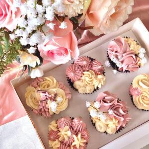 box of cupcakes - 6 cupcakes